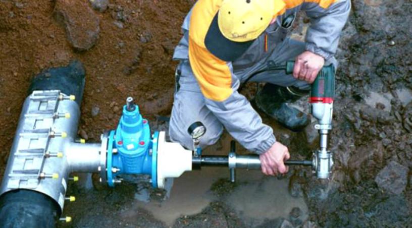 Врезка в водопровод под давлением